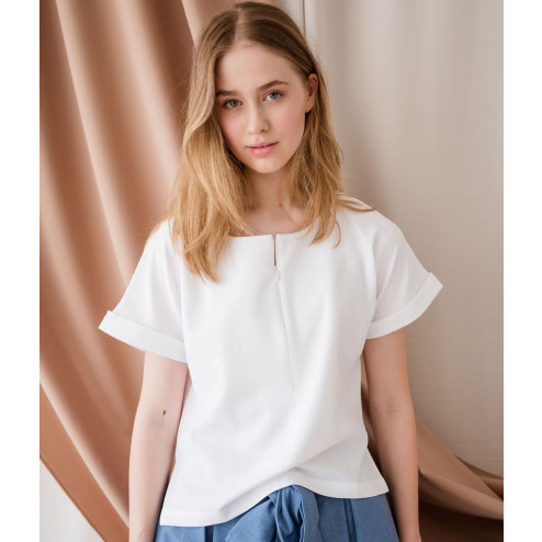 Female stylish linen/viscose blouse TAHO with short sleeves and hidden zipper in the front, white