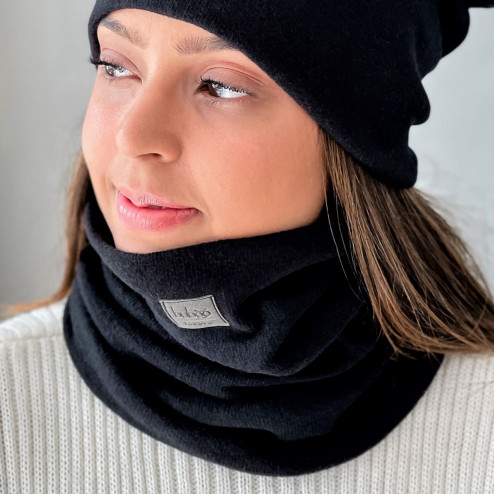 Stylish woman snood scarf for spring fall or winter - Black