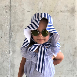 Impressive kids double-sided cotton-linen/viscose HAT with ribbons Striped